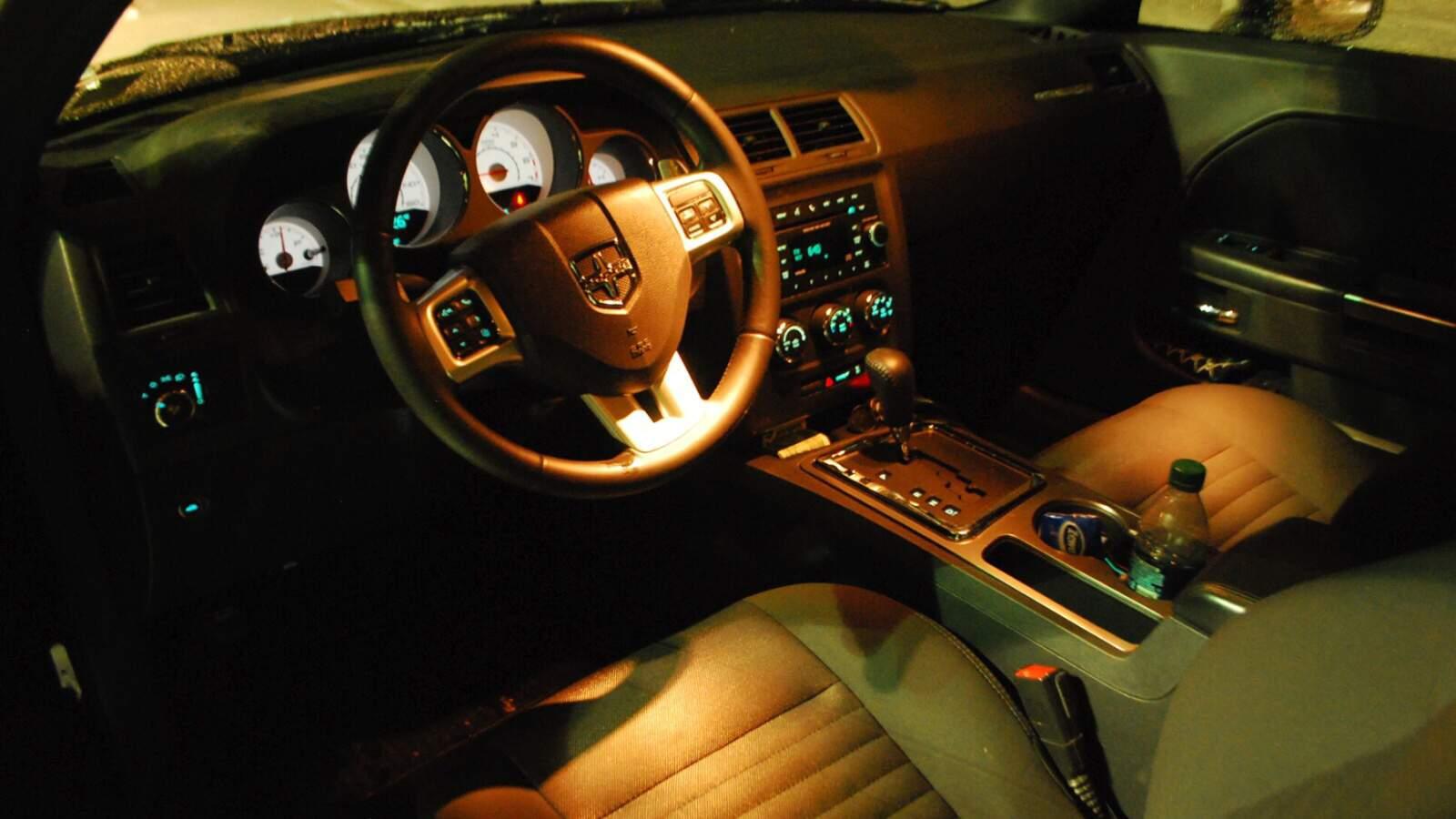 Interier vozu Dodge Challenger RT