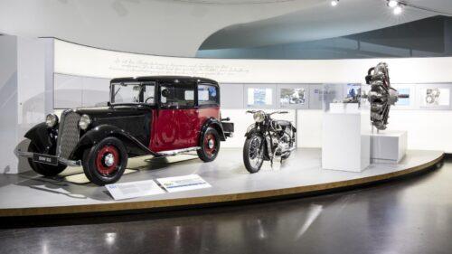 Vozy BMW v budově muzea