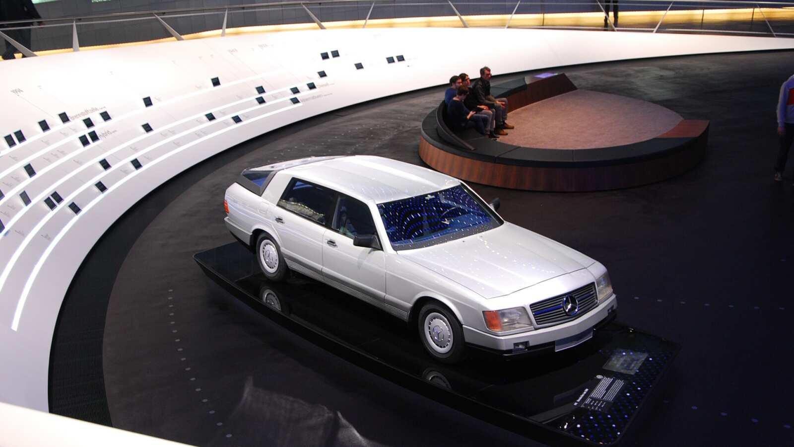 Koncept Mercedes-Benz Auto2000