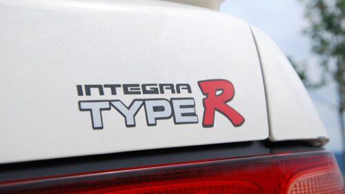 Detail na Logo Honda Intergra Type-R