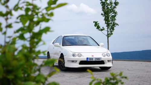 Honda Intergra Type-R v bílé barvě