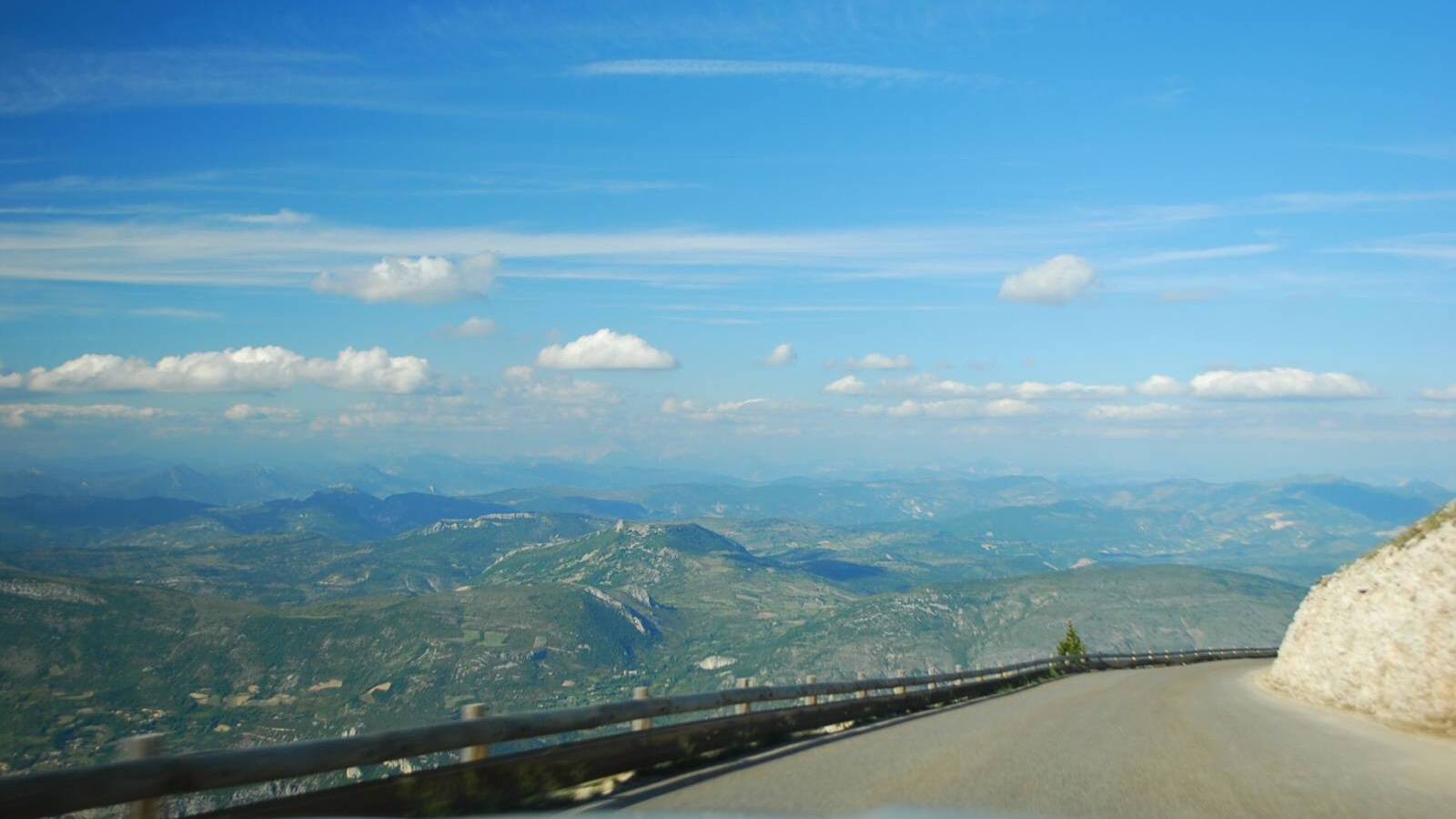 Výhled z hory Mont Ventoux