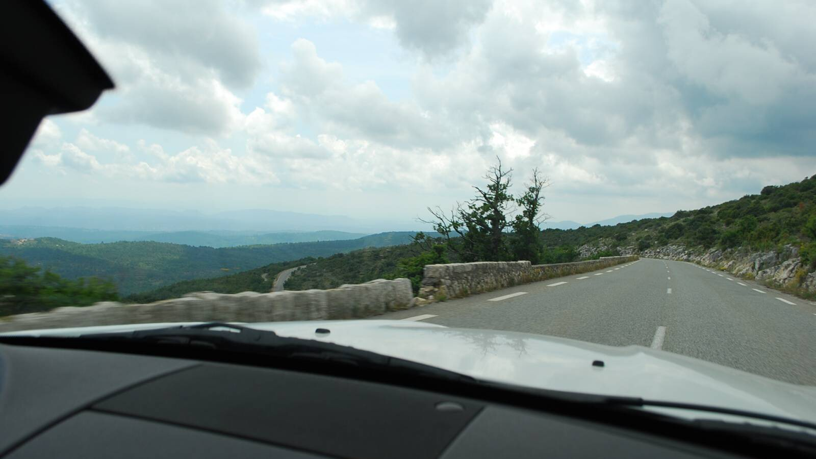 BMW Z4 na silnici Route Napoleon