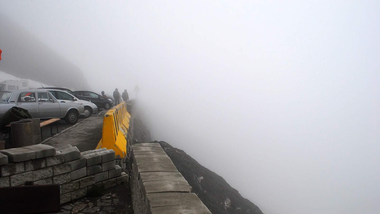 Výhled ze Stelvio Pass do mraků
