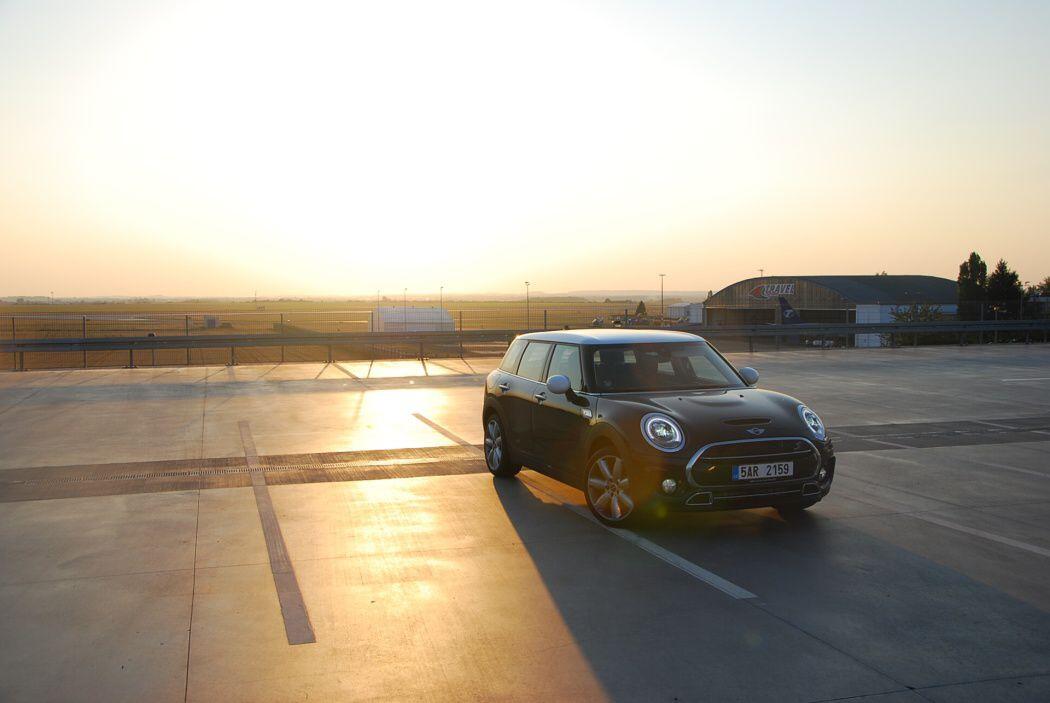 Mini Cooper SD Clubman u letiště