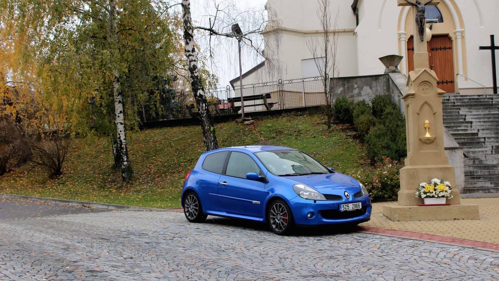 Blog: Automobilové božstvo, Clio RS a proud myšlenek