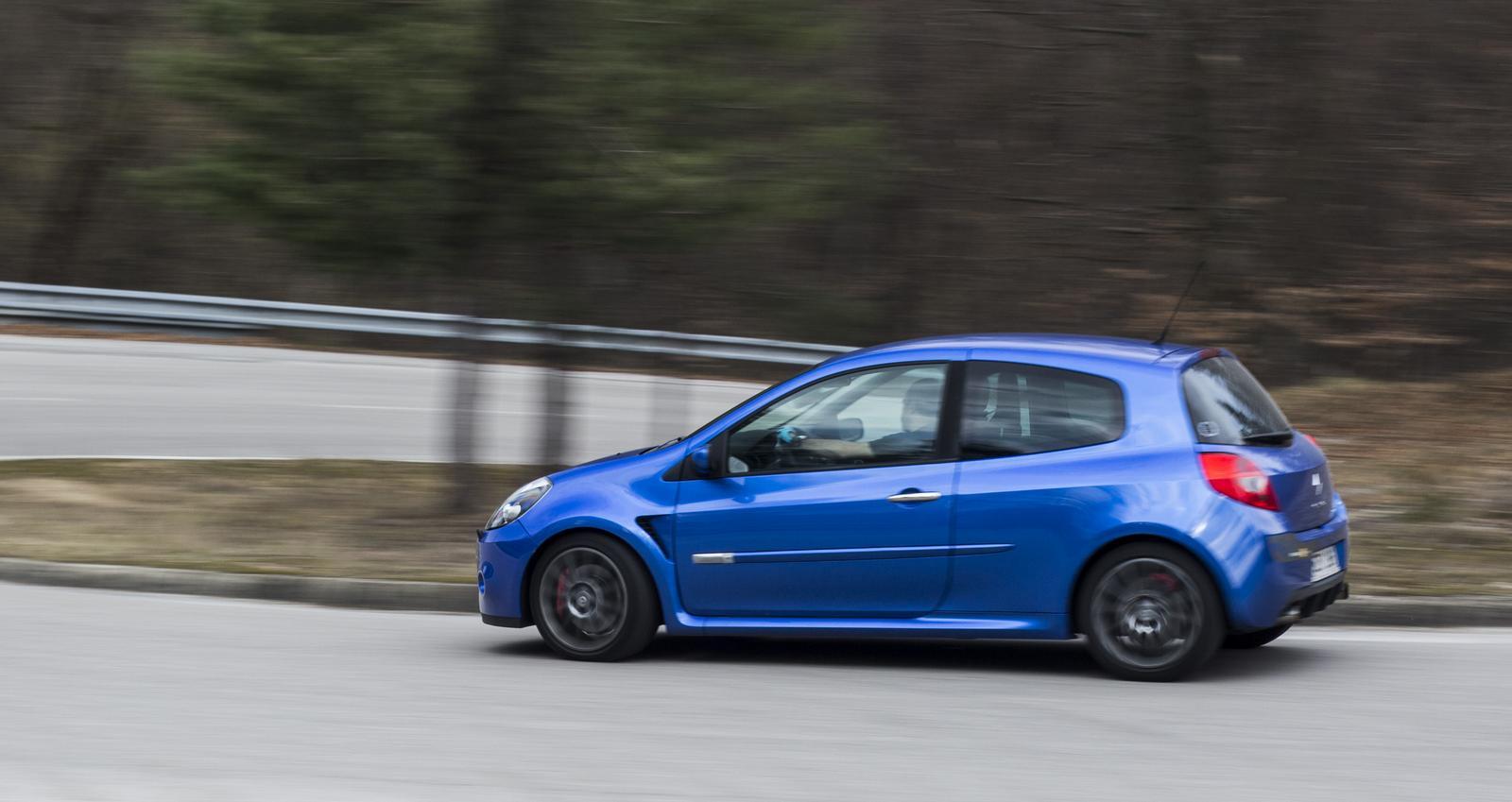 Renault Clio RS v pohybu