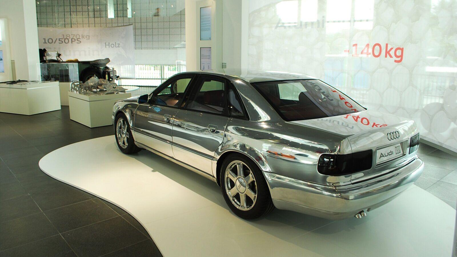 Koncept Audi A8 - tehdy nazívaný ASF