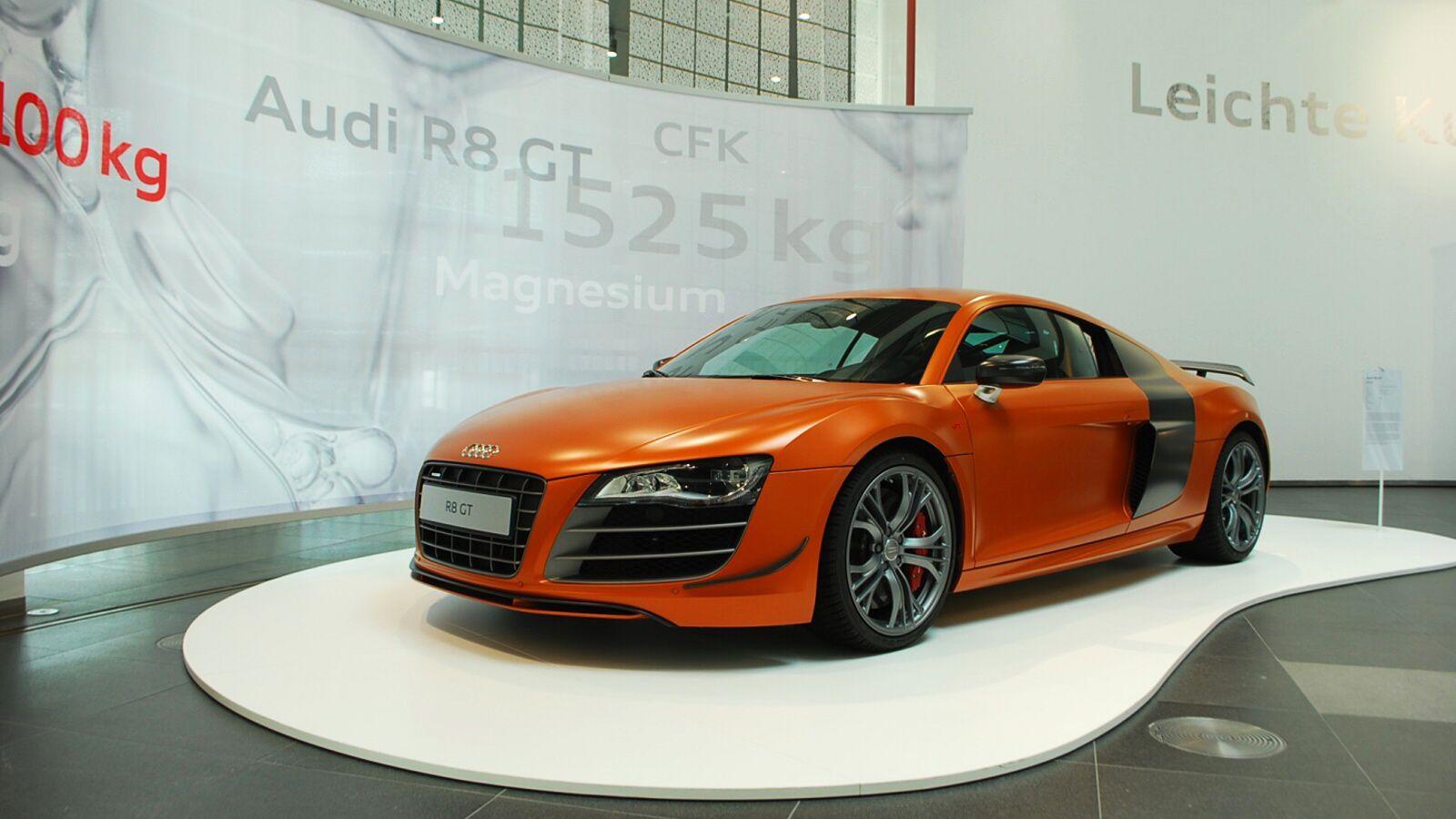 Audi R8 GT v oranžovo-hnědé barvě