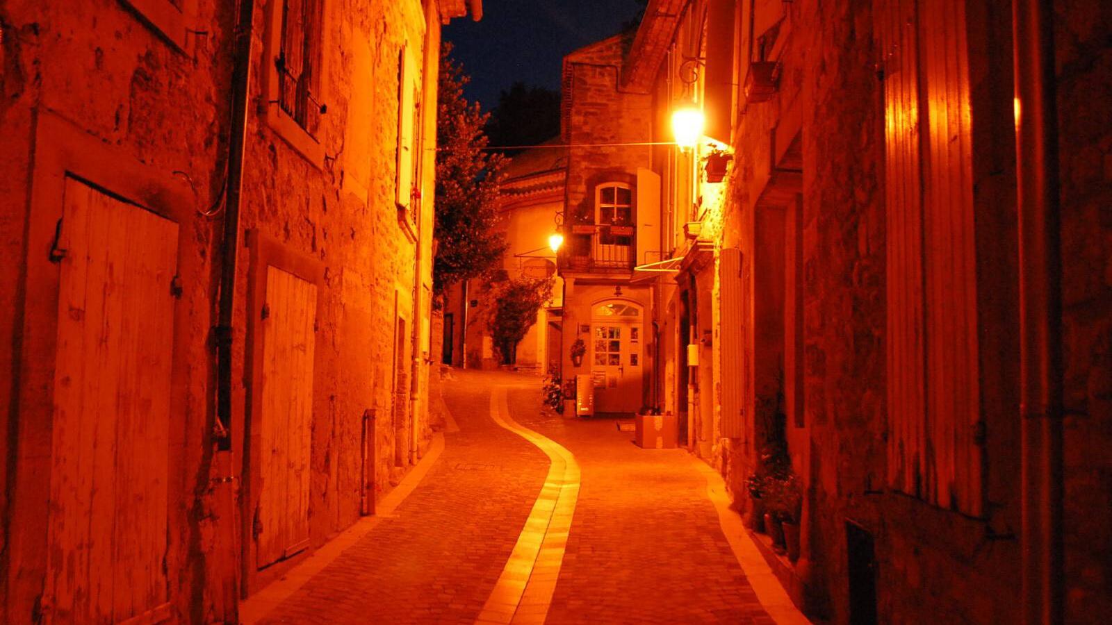 Noční ulička v Grignanu