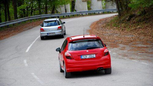 Subaru Impreza WRX a Peugeot 207RC